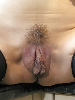 MILF Pussy Pics